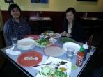 Vietnamees lunchen met Lin (links) en Ha (rechts). Ik was met Ha naar New York.